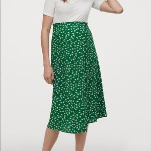 NWT H&M Green Floral Circle Skirt Size 14